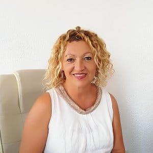 Property National. María Comellas. Foto perfil. Asesora y Comercial