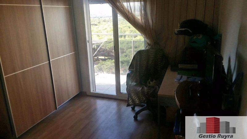 Apartamento junto al mar. 2 Habitaciones. Los Pavos. Blanes 10. Habitación armarios