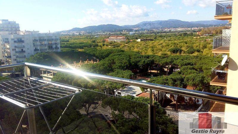 Apartamento junto al mar. 2 Habitaciones. Los Pavos. Blanes 10. Vistas al interior de la Costa Brava