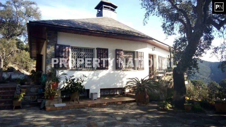 Sant Cebria de Vallalta. Chalet 5 Habitaciones con terreno 36