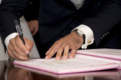 Declaración de herederos en una herencia sin testamento. Firma de documentos
