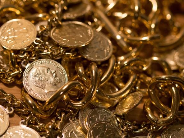 Herencias de famosos polémicas. Monedas de oro